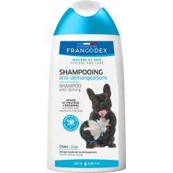 Shampooing...